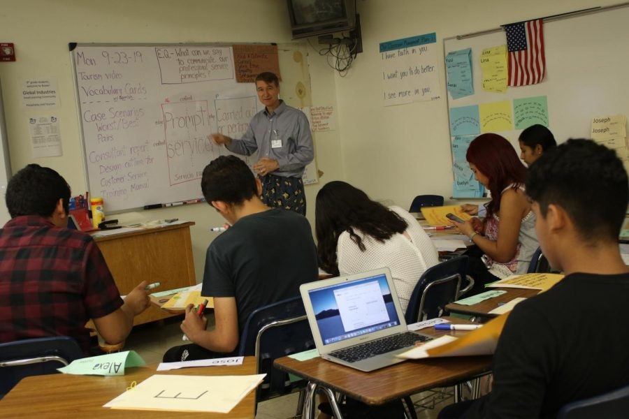 Freshmen Students Begin New Transition to Small Learning Communities