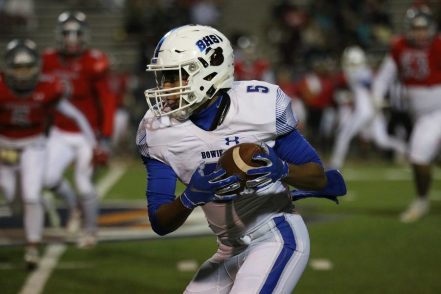 Football Defeats Jeff 33-23 to Clinch 1st Playoff Spot Since 2016
